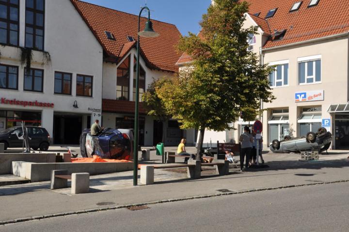 Das Szenario: Schwerer Unfall mitten auf dem Dorfplatz