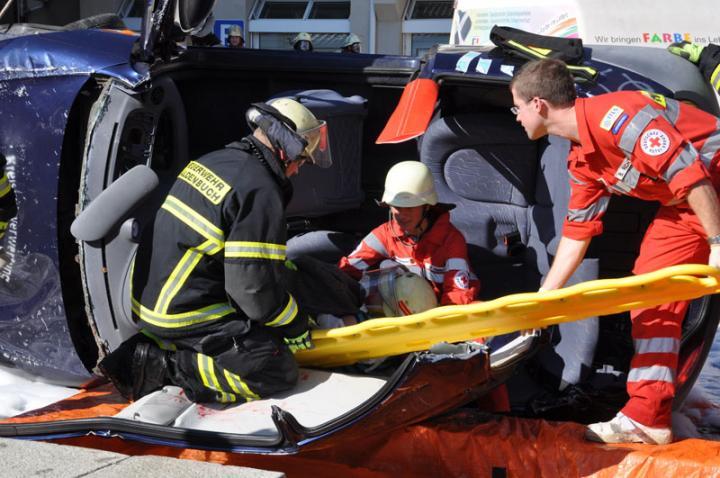 Jetzt kann der Verletzte geborgen werden